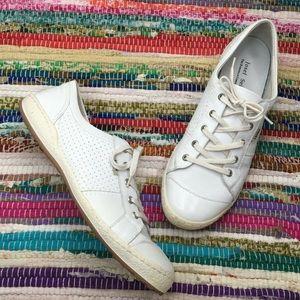 Josef Seibel Caspien Low Top Sneaker 9.5-10 White